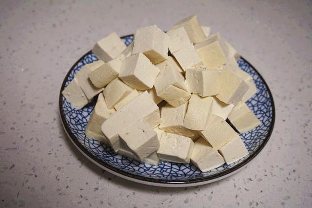 豆腐的美食,这十道豆腐的创意做法,道道餐桌下饭菜,素菜做的香,手艺不一般