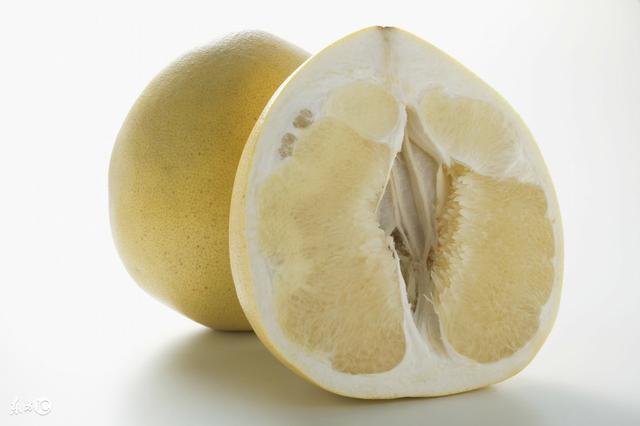 柚子皮的吃法,柚子皮两招入膳好吃又养生!太多人都错过了