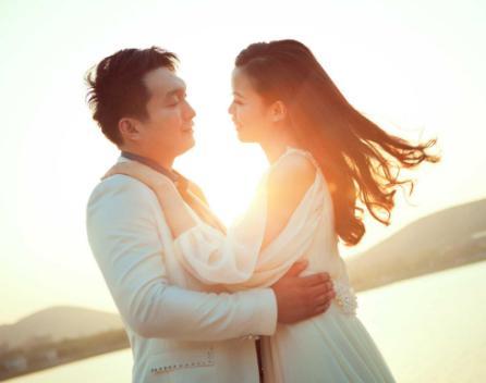 属猪的男,三大生肖男疼老婆也有担当,婚后爱情如意,幸福安康!
