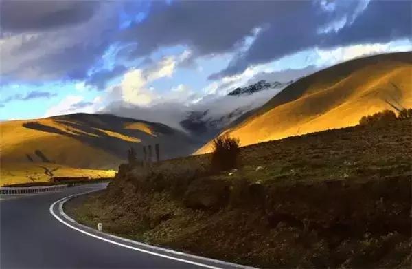 西藏旅游景点,8条进藏线路,30个绝美景点,每一个都值得留恋一生
