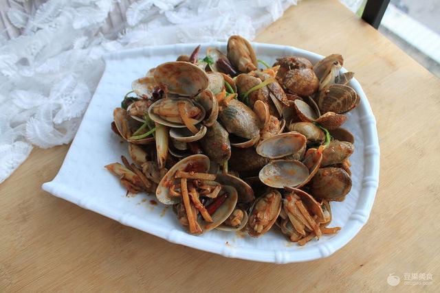 炒花蛤的做法,轻松做小海鲜—爆炒花蛤