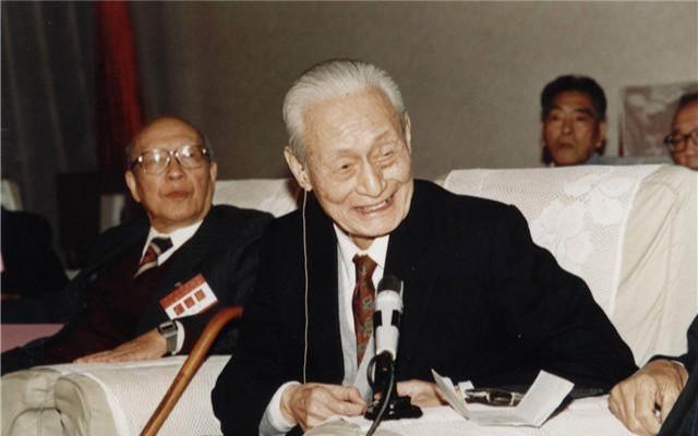 姓赵的名人,书法大师赵朴初:爱吃素,不知肉味七十年,90高龄书法仍一身正气