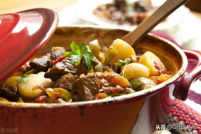 土豆炖牛肉的做法,土豆炖牛肉,每一口都是家的味道,鲜香入味超下饭,新手一学就会
