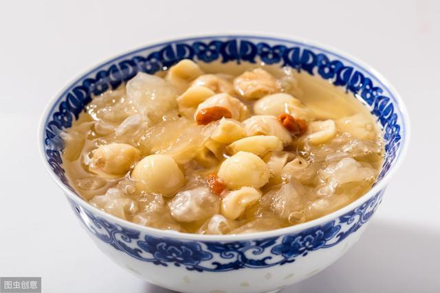 银耳汤的做法,银耳莲子汤隔夜能吃吗?银耳莲子汤是怎么做的?