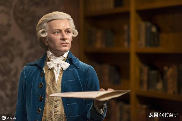 莫扎特简介,什么叫天才?什么叫神童?也许只有看过莫扎特的故事,你就知道