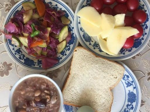 """干凉皮的吃法,""""年有四季,人有三餐"""",江苏2人吃的炒面皮早餐,健康又养生"""