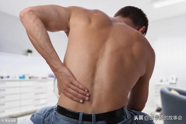 胰腺疼痛位置图片,腰背部出现一个征兆,最好去检查一下,胰腺炎可能已经找上