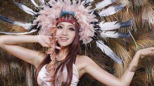 羽毛的寓意,为何人类要在帽子上插羽毛?中国清朝官员给了最好的答案
