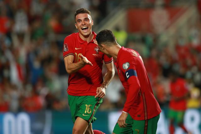 5-0!C罗又刷爆历史级神迹,直接送鱼腩出局,葡萄牙只剩1个对手 全球新闻风头榜 第4张