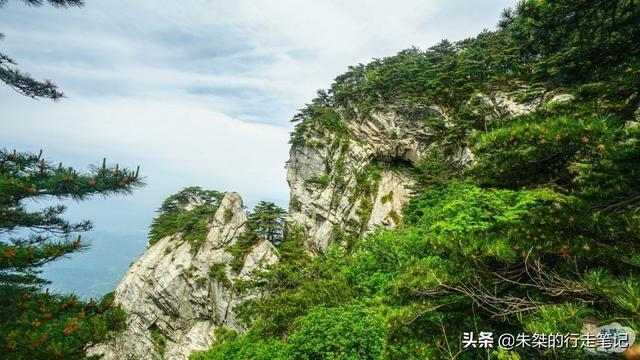 天堂寨风景区,明明属于同一个山脉 却一分为二成为两个景区 还一边是5A一边是4A