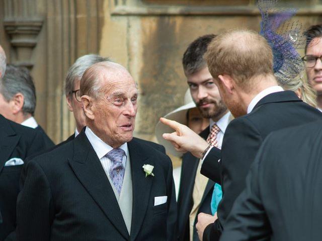 英国菲利普亲王去世,享年99岁,女王失去挚爱丈夫,陷入深深悲痛 全球新闻风头榜 第5张