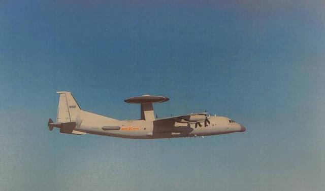 解放军军机今早两次进入台湾空域,台媒:连假也不停