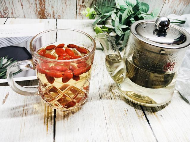 怎么做茶,枸杞子泡茶,到底如何泡才是最好的?教你正确做法,甘甜营养足