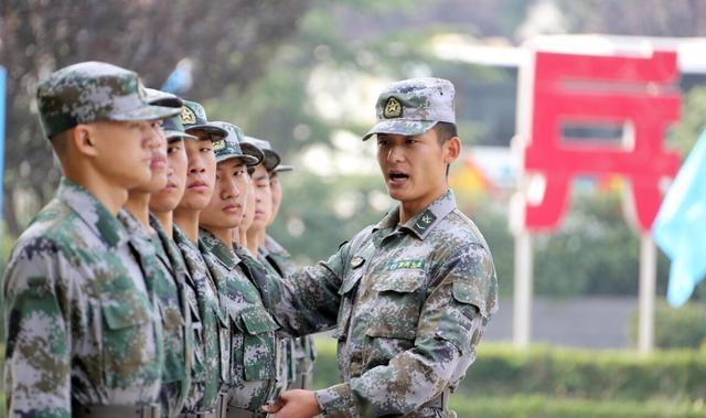 """当兵的话,大学生当兵期间注意事项,有3种话""""要少说"""",管好自己的嘴"""
