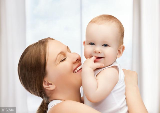 婴儿湿疹用什么药膏,宝宝身上好多湿疹,该如何选择药膏涂抹?