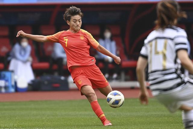欧洲球队邀中国球员加盟:带着赞助商来 王霜有望再赴豪门踢球 全球新闻风头榜 第3张
