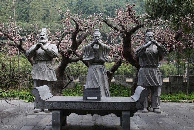 关羽简介,关羽:一个历史小人物如何一步步成为万古流芳与孔子齐名的武圣人