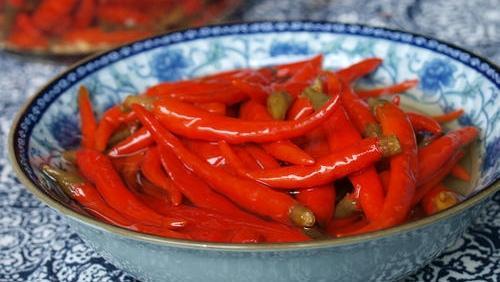 泡椒的做法大全,正宗的四川泡椒做法,放置一年也不会空心不会烂,香辣酸爽可开胃