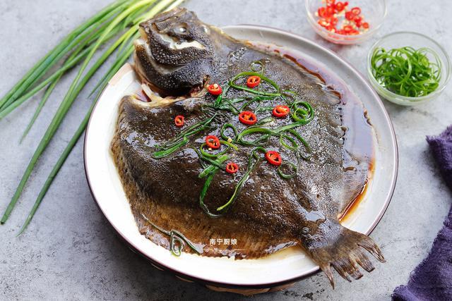 多宝鱼怎么做,这鱼比鲈鱼还好吃,滑嫩脆口,营养丰富,我家隔三差五做给孩子吃