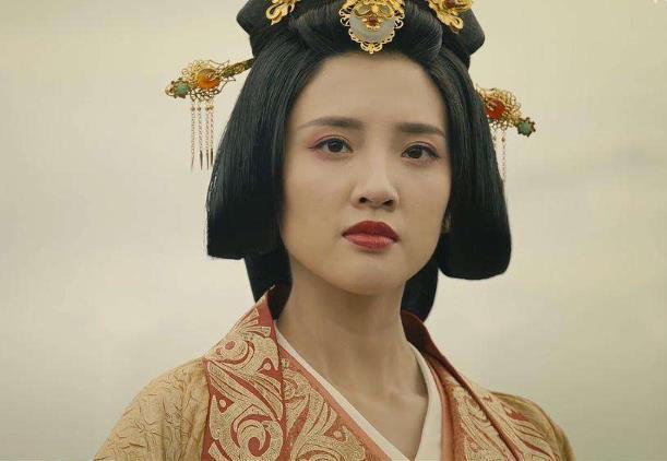 姓郭的名人,郭女王到底好在何处?她有2大优势碾压甄宓,让曹丕难以抗拒
