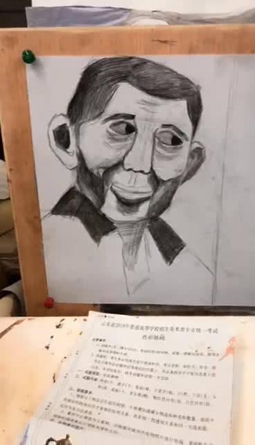 漫画的素描,美术生又皮了,把素描画成了搞笑漫画
