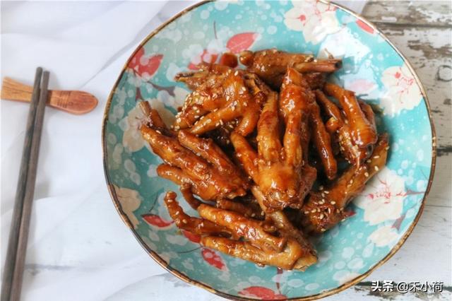 鸡爪怎么做,鸡爪最好吃的做法,2个人吃了一锅,简单0失败,太香了
