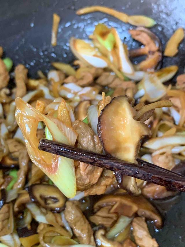 生姜的吃法,生姜这样吃,给肉都不换,特别下饭