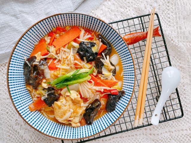 金针菇的做法大全家常,春天多吃素菜一锅鲜,味道鲜美,热量不高,清肠刮油,好吃不长胖