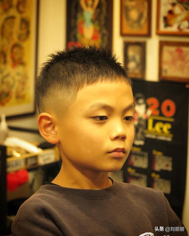 """最帅小学生,""""最帅气""""小男孩发型17款,时尚有型显精神,爸爸妈妈们快收藏"""