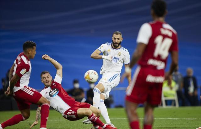 西甲第一球星!本泽马3射1传,维尼修斯建功+造点 皇马5-2塞尔塔 全球新闻风头榜 第1张