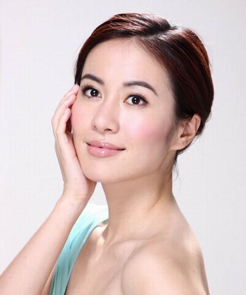 姓叶的名人,40岁叶璇自曝担心王一博,从名校学霸到遭群嘲,她其实活得真实