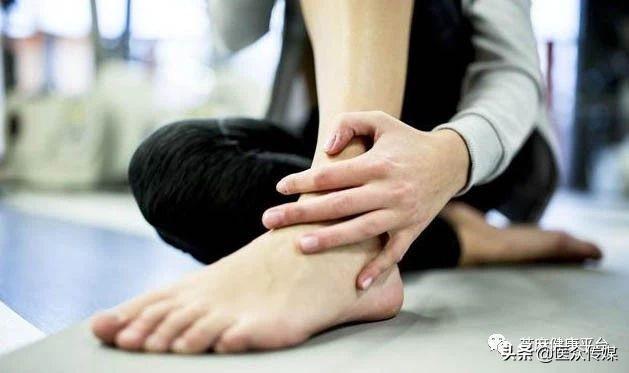 脚扭伤了怎么恢复最快,这么处理,扭伤脚才会好的快!