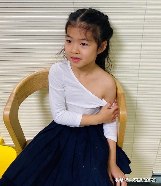 章子怡5岁女儿近照曝光,接种疫苗从容淡定十分勇敢 全球新闻风头榜 第2张