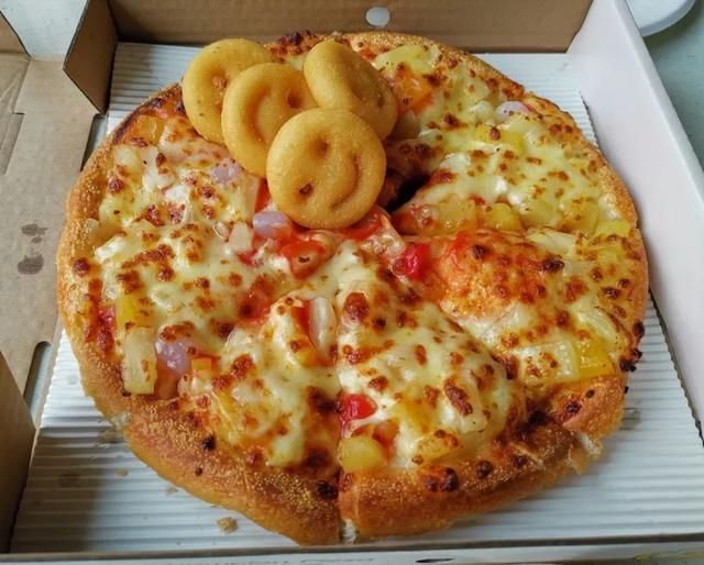披萨加盟,加盟测评   直营店1100家的尊宝比萨,加盟店有多赚钱?