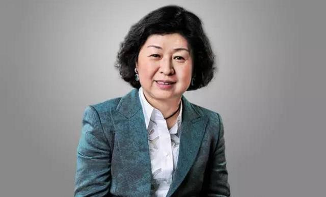 她以440亿身价战胜黄光裕,位居胡润财富榜第一名,变成我国第