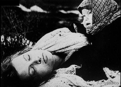 伤感的图片,珍爱和平,远离战争:二战中令人伤感、痛心的照片