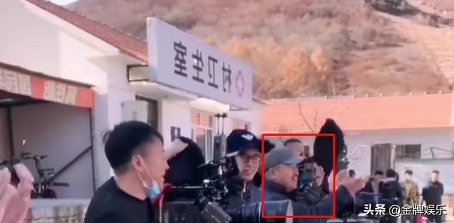 赵本山最新消息,赵本山终于妥协了!不仅同意王小利开直播,也同意他可以带货