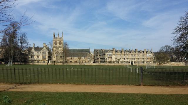 免费出国留学的条件,去英国留学都需要什么条件