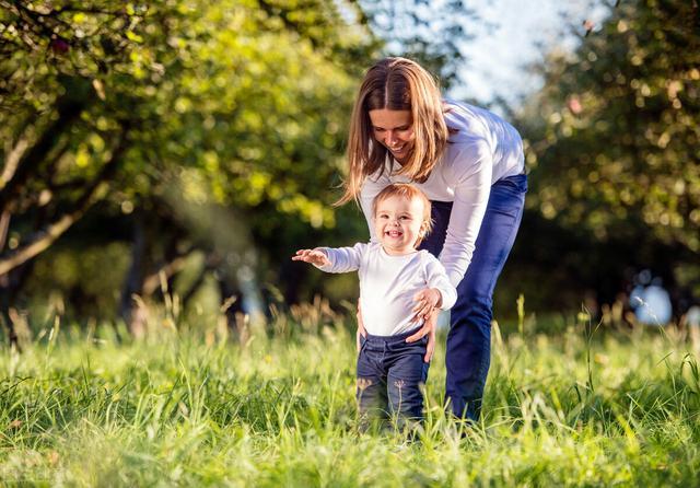 陪伴孩子成长温暖句子,《陪孩子终身成长》:你必须成长,才能陪孩子成长