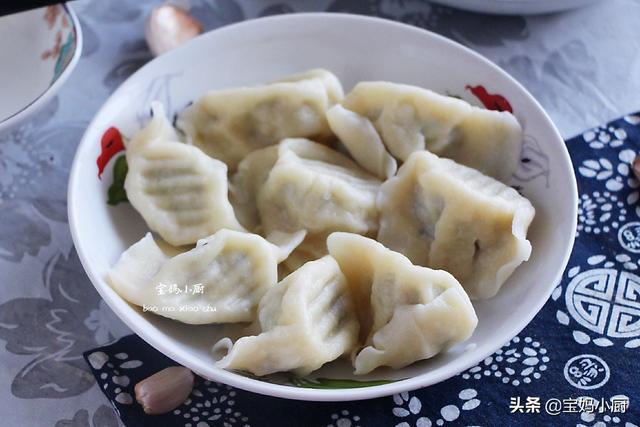鱼肉馅饺子怎么做,三伏天,鱼肉包饺子鲜美好吃,此做法,没腥味,老少都爱