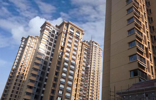 房地产投资回报率,假如房价一直死扛不降,会有哪些后果?现在终于有答案了