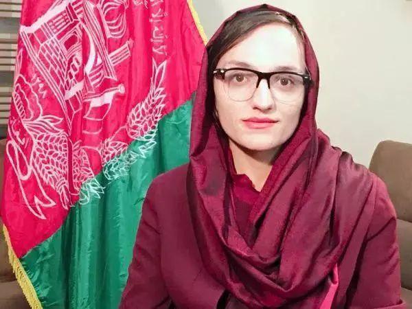 阿富汗首位女市长逃到德国,希望与政治家和世界领导人会面,愿意与塔利班交谈