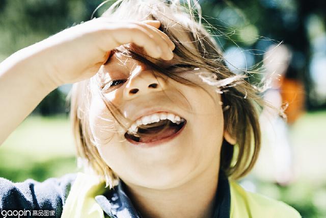 微笑图片,世界微笑日|对别人微笑了那么久,也给自己一个微笑吧