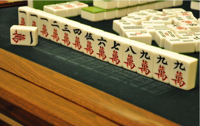 打麻将技巧,高手打麻将手法技巧秘诀 算牌记牌方法