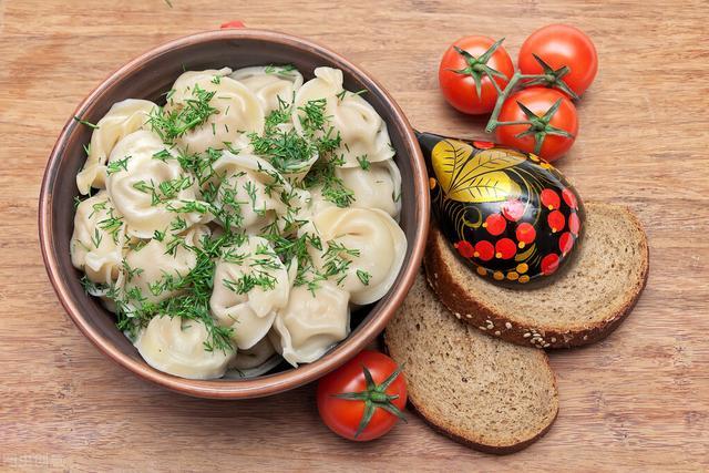 茴香饺子馅的做法,用茴香包饺子,不要直接调馅,学会1个技巧,茴香更翠绿更鲜香