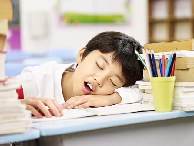 超8成中小学生睡眠时长未达标,中小学生中,有多少睡眠时长不达标?八成