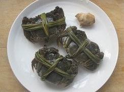 """螃蟹的吃法视频,上海妈妈教你""""清蒸大闸蟹""""家常做法,清鲜美味,营养丰富"""