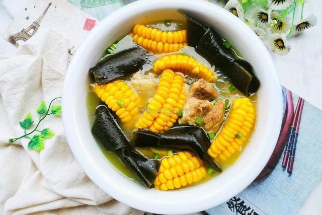 筒子骨汤的做法,春季缺水就喝这个汤,简单3步就搞定,养肝明目远离春燥