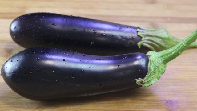 做茄子怎么做,茄子这样做,我家一周吃6次,每次都要多吃3碗米饭,太香了