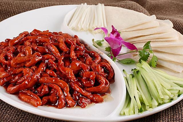 京酱肉丝的做法,教你京酱肉丝的正确做法,肉丝嫩滑,咸甜适中,下酒又下饭